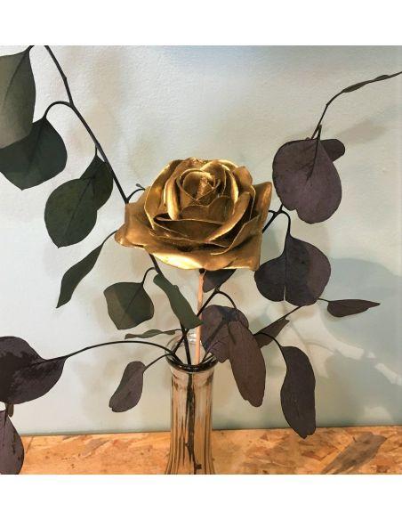 rose en cire dorée
